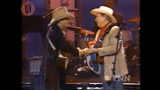 Dwight Yoakam And Buck Owens - Santa Looked A Lot Like Daddy