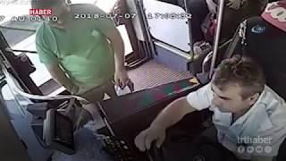 Seyir halindeki otobüste yolcuyla şoför kavga etti