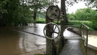 preview picture of video 'Juni-Hochwasser in Pressath 2013'