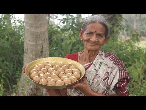 How To Cook Traditional Urad Dal Laddu Recipe (Sunnundalu) My Grandma || Myna Street Food