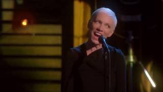 Annie Lennox  - I Can Dream, Can't I? (Live)
