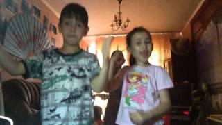 Танцы под музыку (начальной песни) i wanna be the EeOneGuy