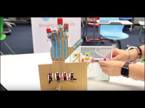 Making robotics and tinkering in the classroom, by Tullia Urschitz