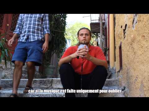 Derriere la fumee - Reportage sur Athènes et la situation politique et sociale