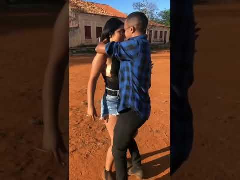 Casal Dançando Volta Rapariga (VITINHO IMPERADOR)