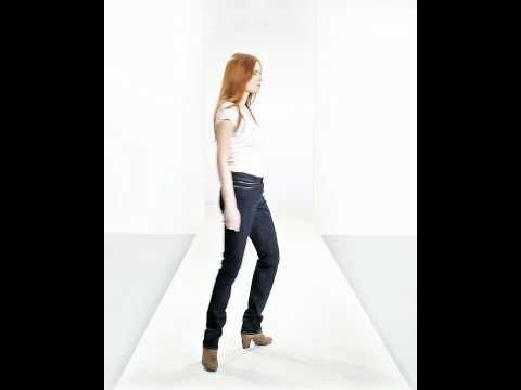 Levis Slight Curve Slim Jeans in Richest Indigo