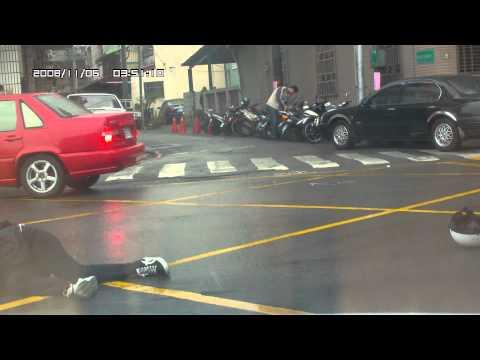 下雨天真的要小心駕駛