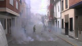 preview picture of video 'Mascleta Falla Plaça Pedralba (LLiria2013) 2'