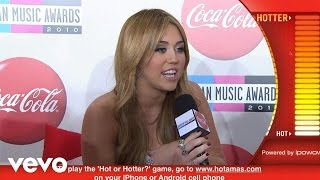 Miley Cyrus - 2010 Red Carpet Interview (American Music Awards)