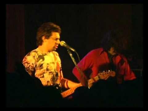 Ratones Paranoicos video Destruida roll - En vivo - 2000