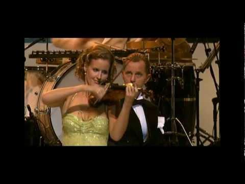 Max Raabe & Palast Orchester -AM AMAZONAS-