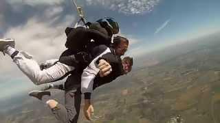 preview picture of video 'Salto en paracaídas!'