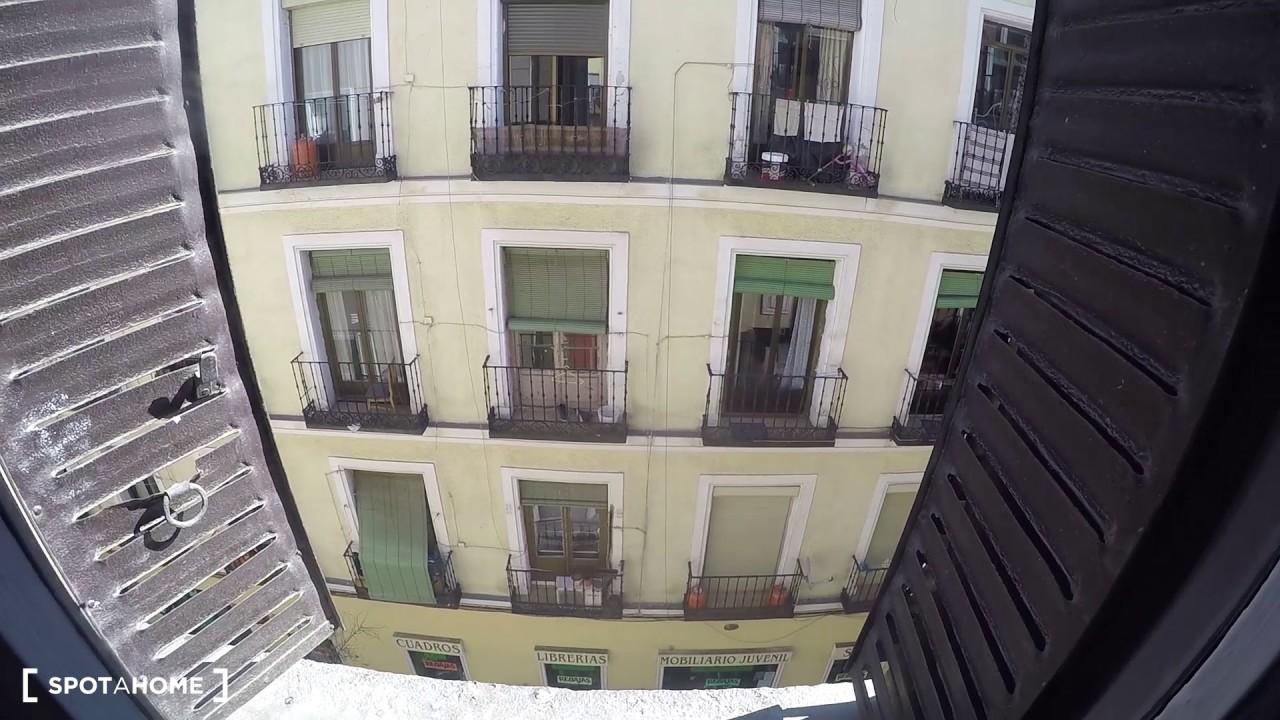 Rooms for rent in modern 9-bedroom apartment in Lavapiés