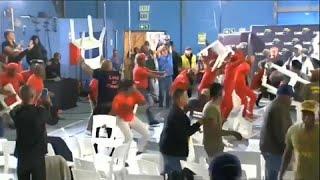 fa90a4f54a4 Хаос вспыхивает между Южной Африкой левых сторонников партий
