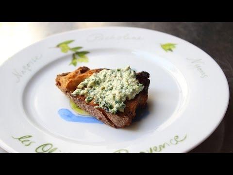 Walnut Parsley Pesto Recipe – Easy Raw Walnut Garlic Herb Spread
