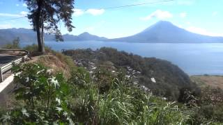 preview picture of video 'Lago Atitlan, Guatemala - Going down from Solola to Panajachel'