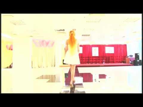 Vogue Prom Dresses - Catwalk