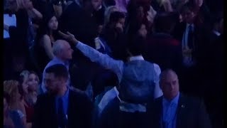 Jin blew a flying kiss to ARMY - BTS Billboard Music Awards 2018