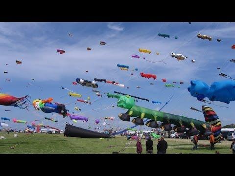Drachenfest Ostfriesland Internationales Drachen und Windspielfest in Norddeich Nordseeküste