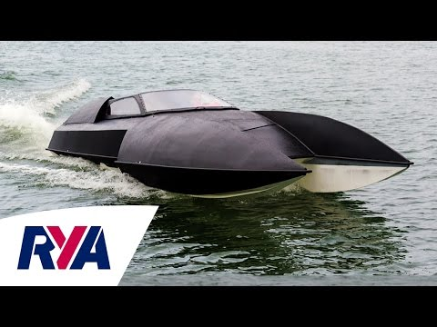 """Expensive, Terrifying, Beautiful"" - Alpha-Centauri Luxury Hydroplanes at the Southampton Boat Show"