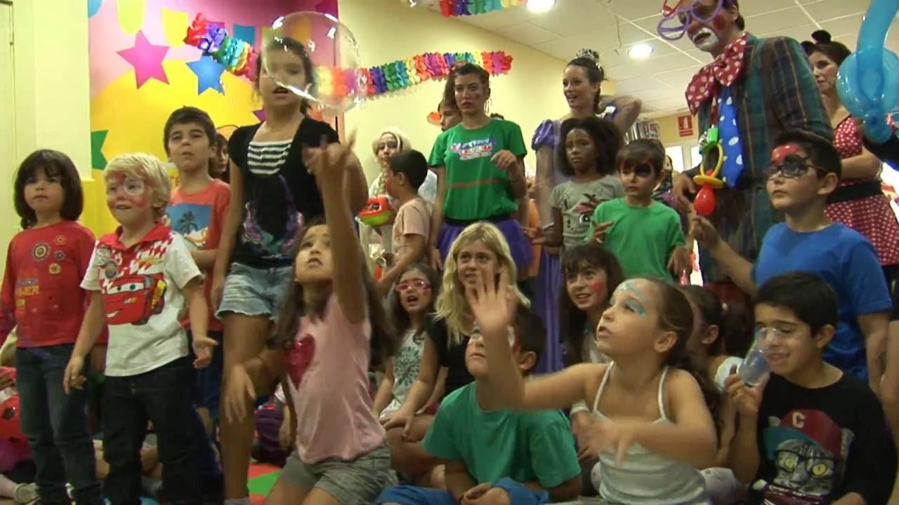 Pompas gigantes para fiestas de cumpleaños infantiles AEIOU