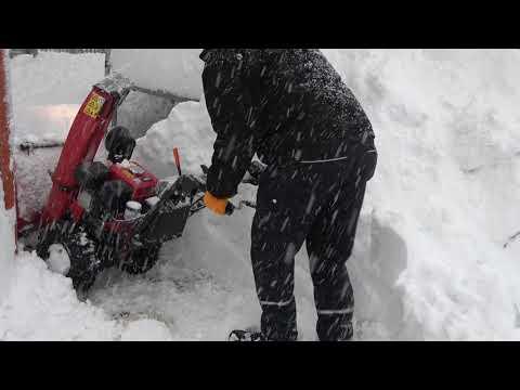 Honda Schneefräse HS 760 Vorführung unserer Mietfräse Honda HS 760 WS mit Elektrostart
