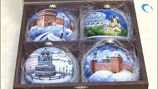Два Новгорода и два Кремля соединились в одной коробке елочных игрушек