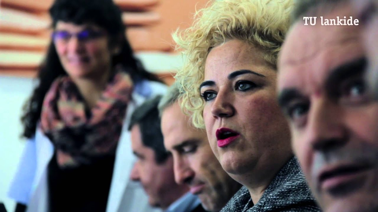 Maite Peña Gizarte Politikarako diputatuak GSR bisitatu du