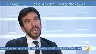 """Vittorio Sgarbi furioso contro Maurizio Martina: """"È ora di finirla, leccano il culo ai ..."""