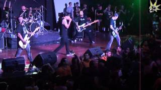 """Strung Out - 07. In Harm's Way (Pantera's """"Walk"""") @ Costa Rica - Julio 10 2011.mp4"""