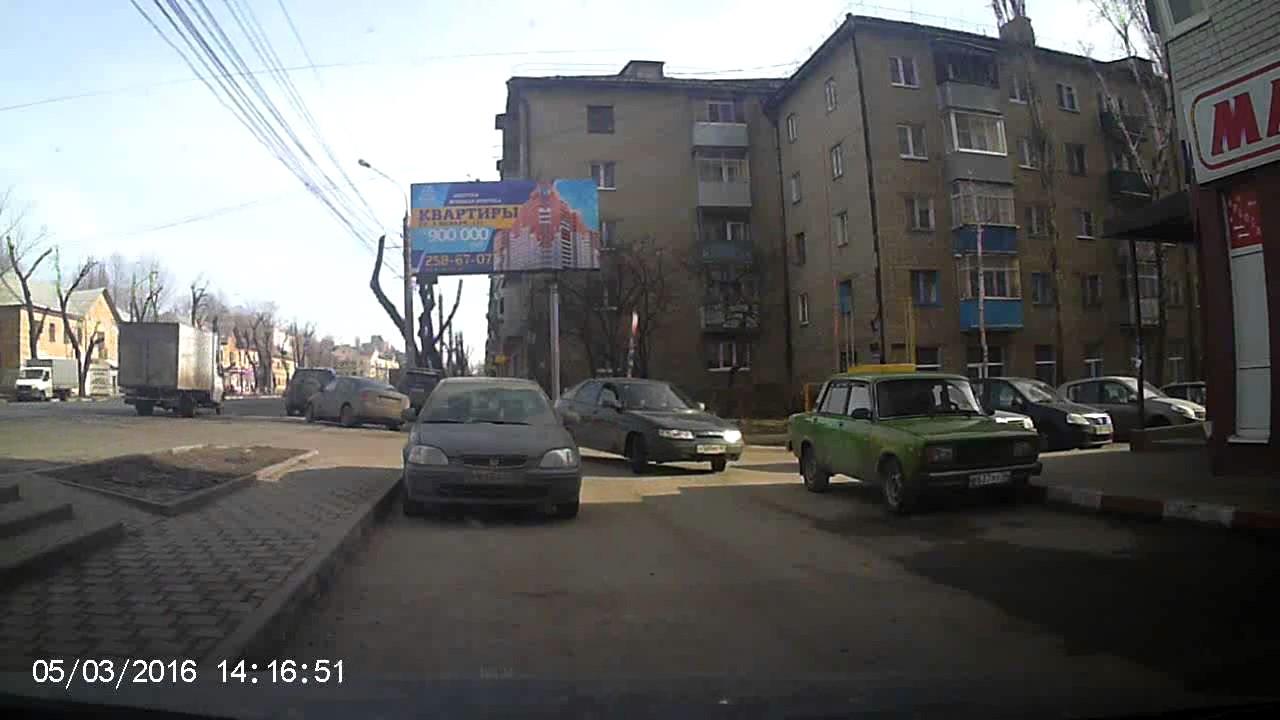 Воронежский ворюга украл щетки с автомобиля