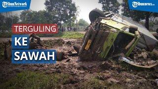 Saat Mencangkul, Petani ini Menjadi Saksi Kecelakaan Truk Tronton dengan Mobil Pikap