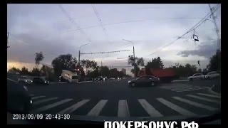 ПАЗик протаранил  land cruiser 200 на красный свет светофора
