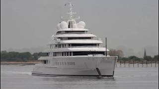 preview picture of video 'Megayacht AZZAM - longest yacht in the world - Weser height Brake Unterweser / Germany'
