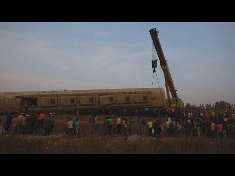 Egito tem novo acidente ferroviário, que deixa cerca de cem feridos