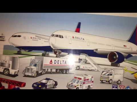 Daron Delta double plane airport playset