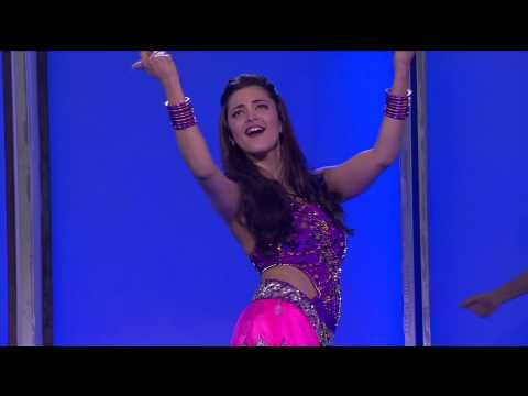 Shruti Hassan sizzles the stage at CCL