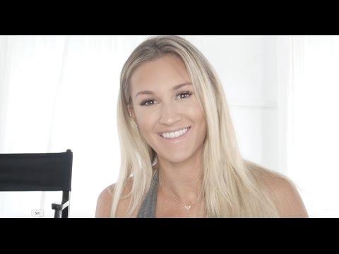 Sex Video Mädchen mit einem Finger in den Arsch