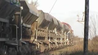 preview picture of video 'Tren de tolvas mineras y portacontenedores de NCA pasando por Ballesteros'