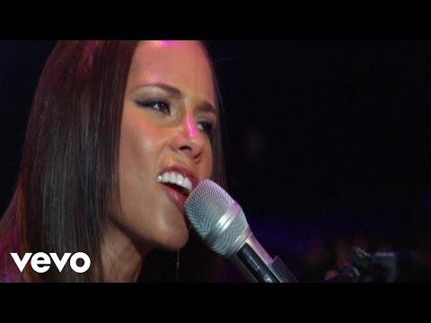 Alicia Keys - Doesn't Mean Anything (NYU Yahoo Pepsi Smash Performance)