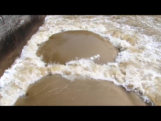 4 миллиарда рублей в воду
