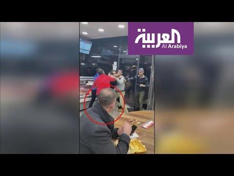 العرب اليوم - شاهد: أهدأ رجل في العالم وسط معركة محتدمة