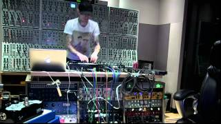 deadmau5 Live set (+setup) from the studio 2014-04-05