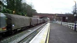preview picture of video '47,739 & 47,727 pass through Twyford Station on 26-03-09'