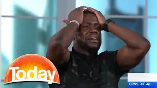Gambar cover Kevin Hart freaks out over snake on Australian TV show