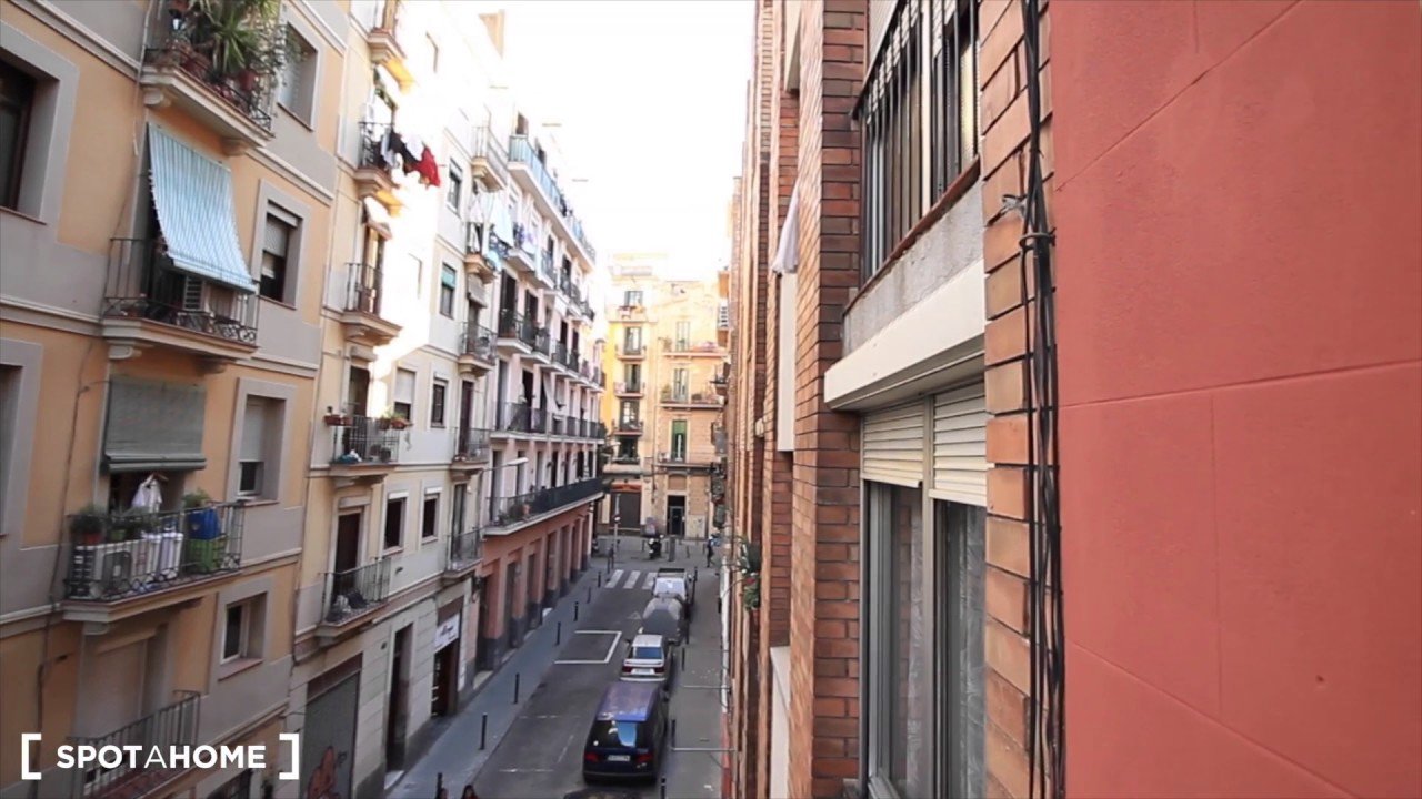 Modern and stylish 2-bedroom apartment for rent in Poble Sec