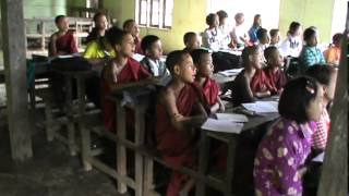 preview picture of video 'Mogok Monastery School'