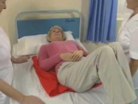Dolore nel fondo di uno stomaco un peso di dolore brontolone in una vita