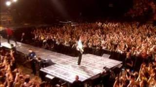 Queen + Robbie Williams - We Are The Champions (fan-made video)