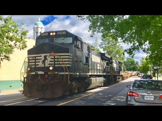 Norfolk-southern-streetrunner-downtown-in